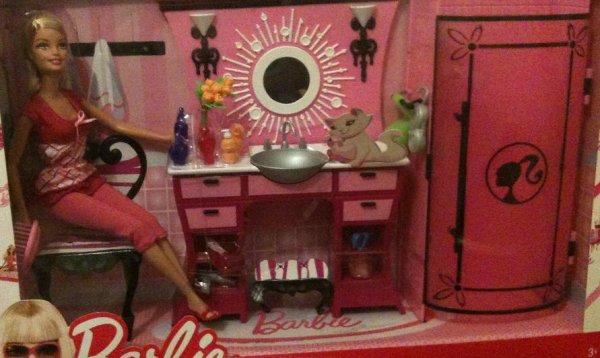 coffret barbie dans sa salle de bain. Black Bedroom Furniture Sets. Home Design Ideas